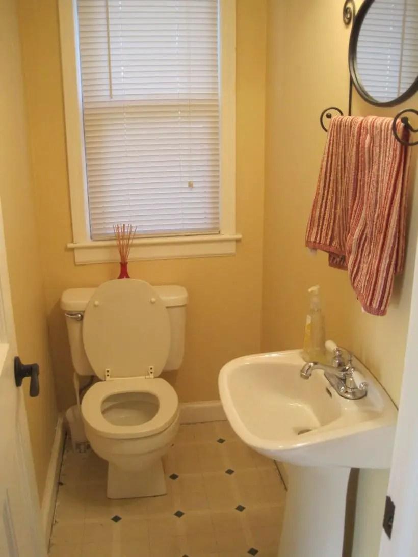 36 Very Small Bathroom Design On a Budget - Matchness.com