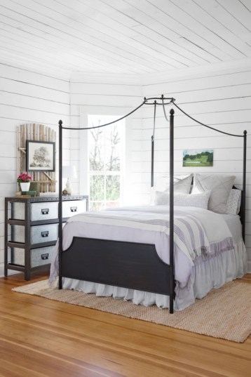 Ways to incorporate shiplap into your home 38