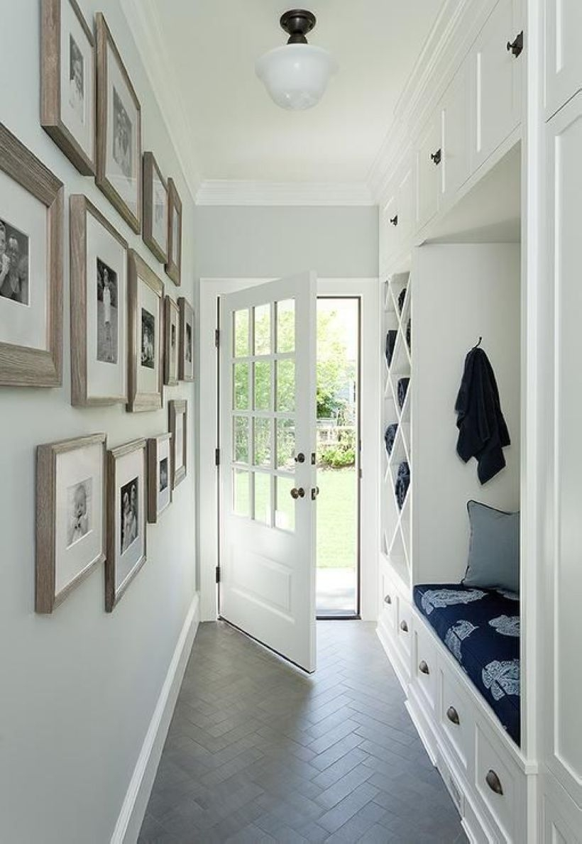 White wall and picture frames in hallway decorating ideas 28