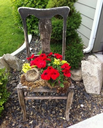Garden-junk-ideas-old-wooden-chair-flower-pot-creative