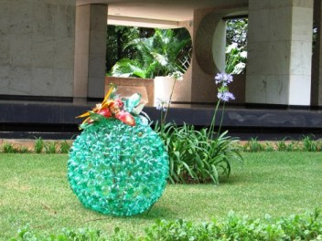 Reuse-garden-creative-ideas-diy-old-colorful-plastic-bottles