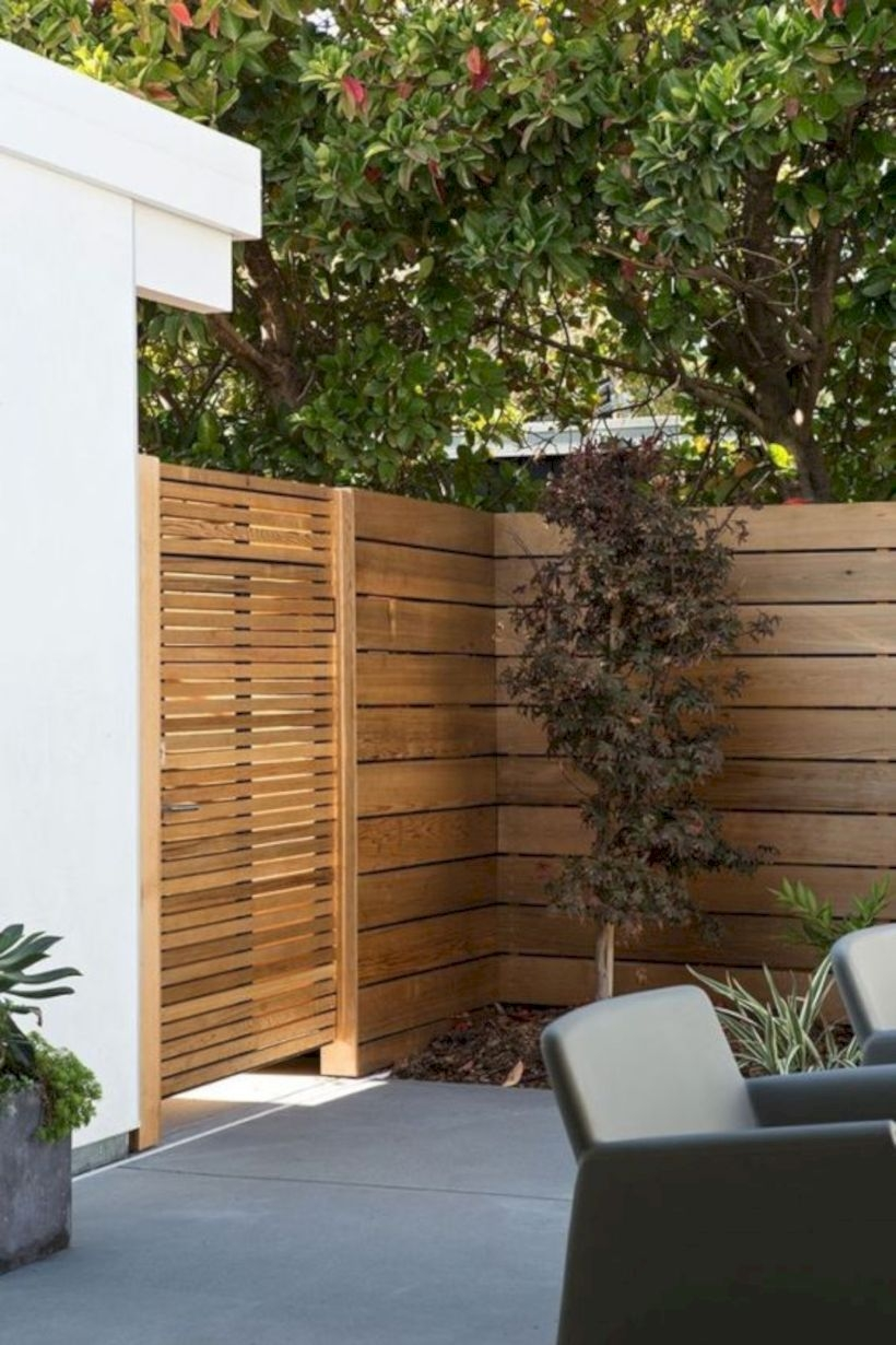 Contemporary horizontal wood fence and gate
