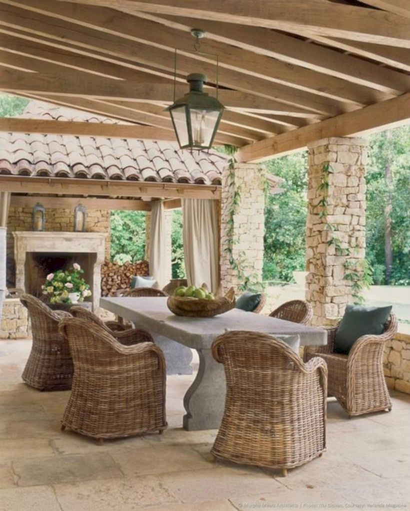 Outdoor room with wicker furniture