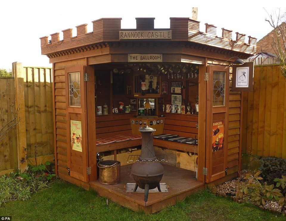 Backyard sheds design ideas that you will love 9
