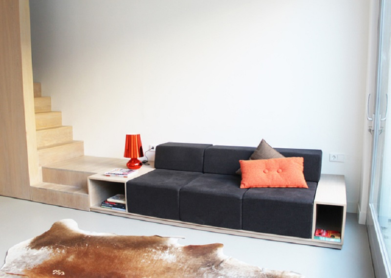 Dutch-architects-combine-couch-and-stairs