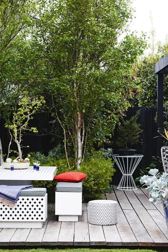 Decking urban garden style