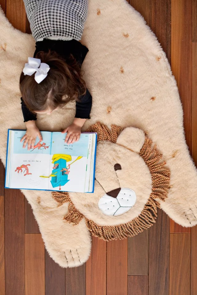 Diy plush animal mat