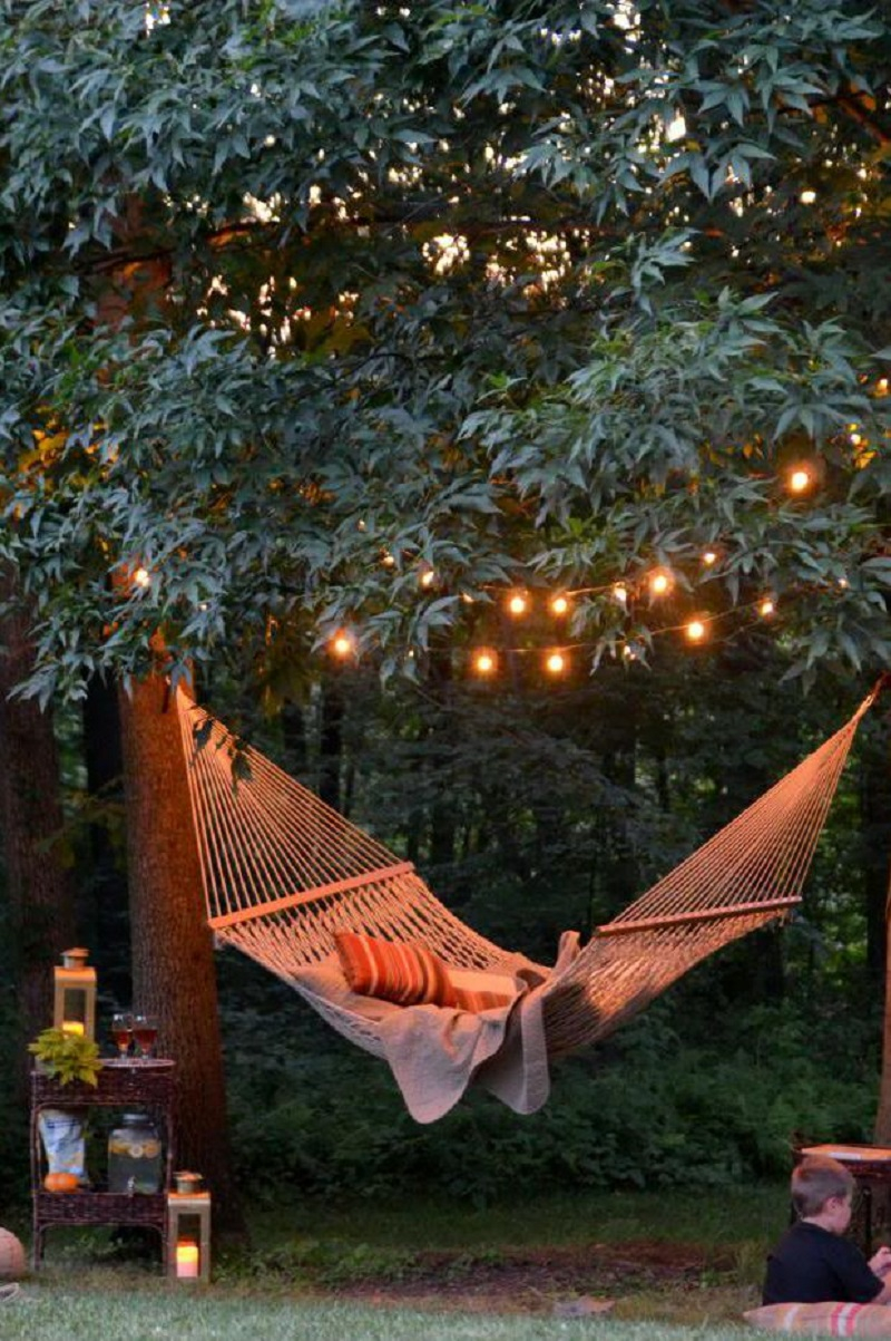 Backyard hammock light