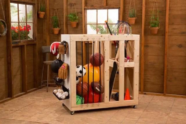 Sports goods storage cart