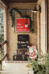 Adorable christmas porch décoration ideas 27