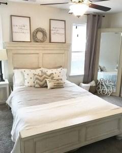 Classic and vintage farmhouse bedroom ideas 03