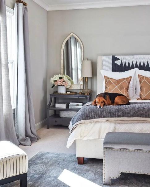 Classic and vintage farmhouse bedroom ideas 14