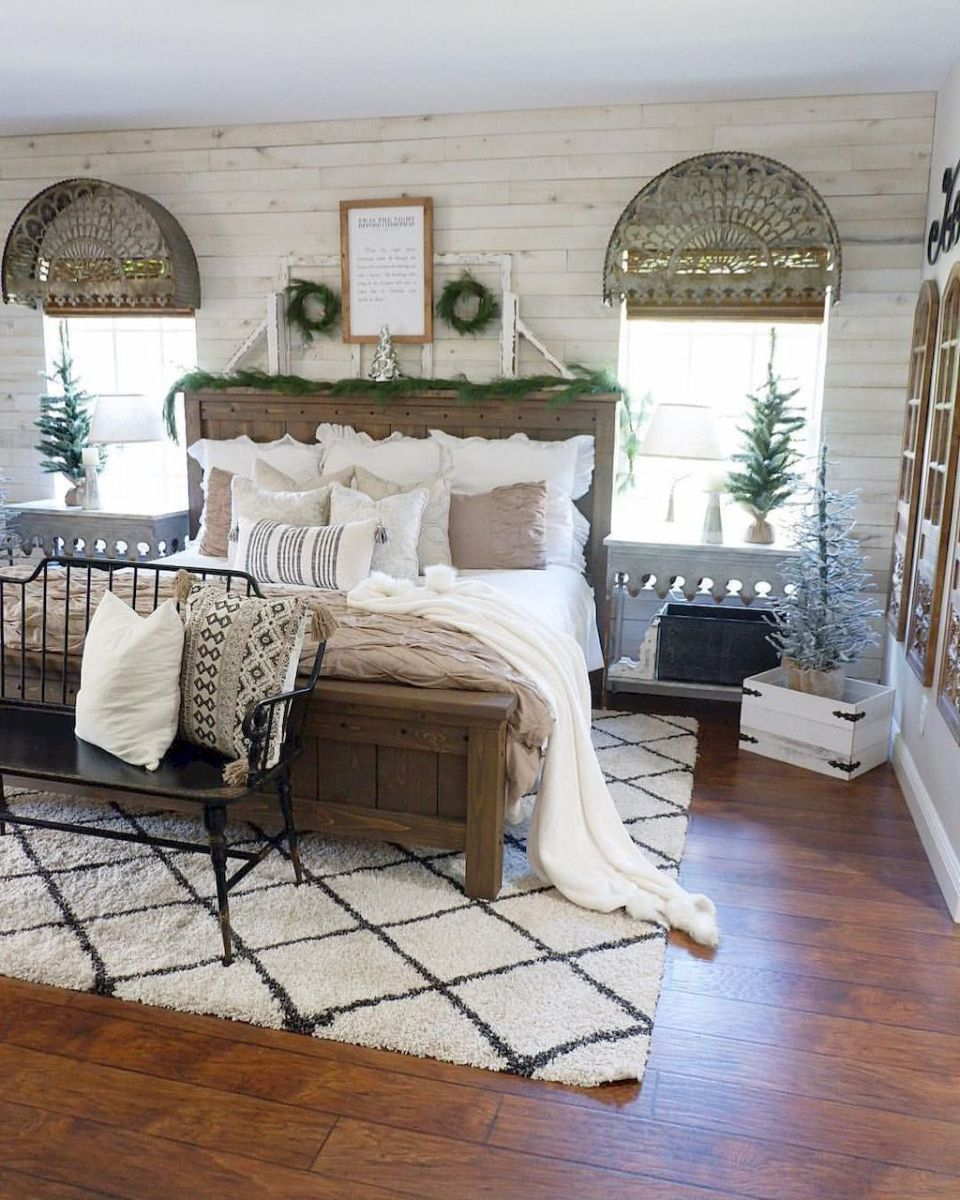 Classic and vintage farmhouse bedroom ideas 18