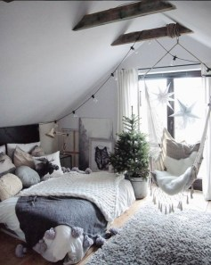 Awesome string light ideas for bedroom 18
