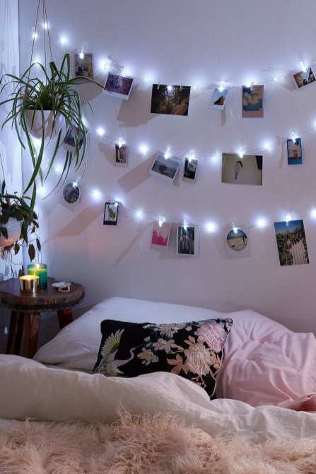 Awesome string light ideas for bedroom 58