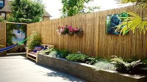 Bamboo fence ideas for small houses 23