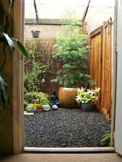 Bamboo fence ideas for small houses 42
