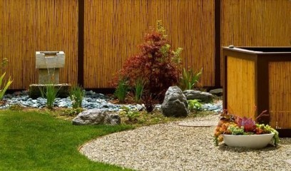 Bamboo fence ideas for small houses 45