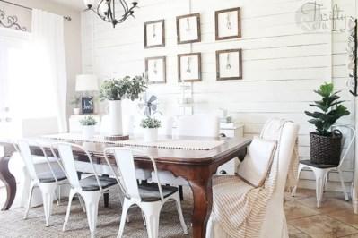 Beautiful farmhouse decor ideas for summer 10