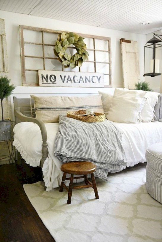 Beautiful farmhouse decor ideas for summer 24
