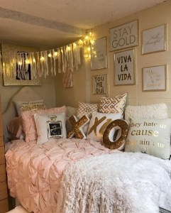 Creative dorm decoration ideas for your bedroom 01