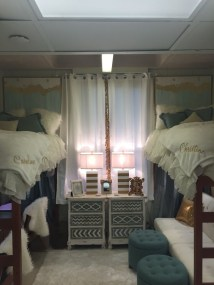Creative dorm decoration ideas for your bedroom 09