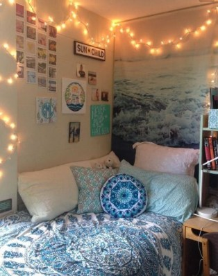 Creative dorm decoration ideas for your bedroom 23