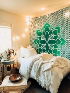 Creative dorm decoration ideas for your bedroom 34