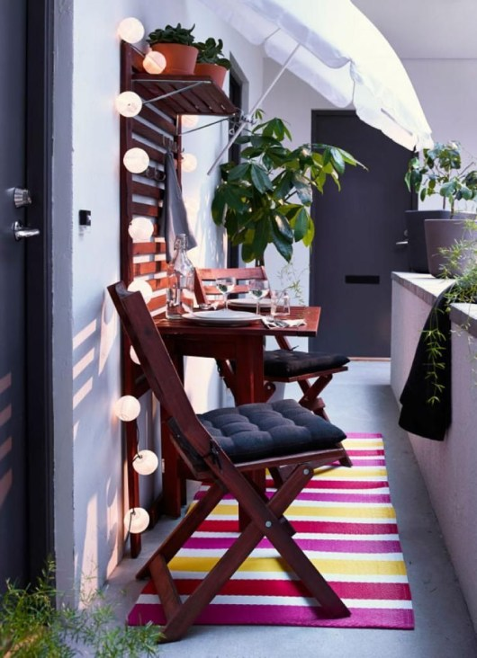Creative small balcony design ideas for spring 12