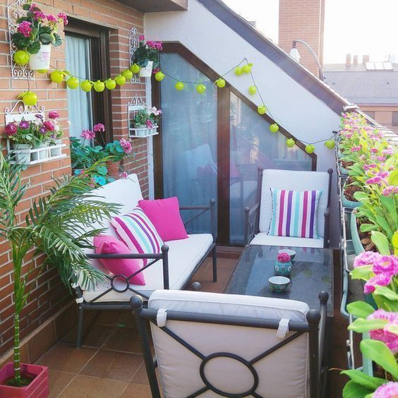 Creative small balcony design ideas for spring 51