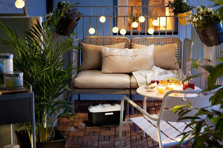 Creative small balcony design ideas for spring 53