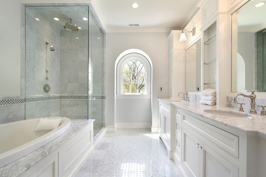 Luxury traditional bathroom design ideas for your classy room 03
