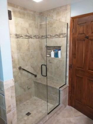 Rustic farmhouse bathroom ideas with shower 104