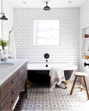 Rustic farmhouse bathroom ideas with shower 66