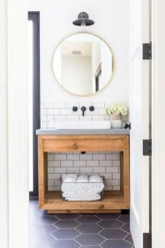 Rustic farmhouse bathroom ideas with shower 98