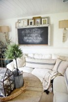 Rustic modern farmhouse living room decor ideas 13