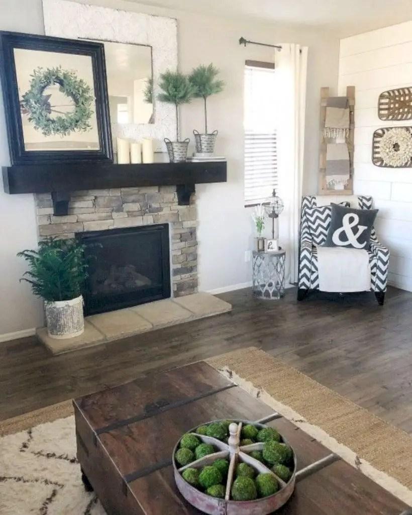 Rustic modern farmhouse living room decor ideas 51