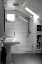 Unique attic bathroom design ideas for your private haven 09