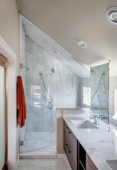 Unique attic bathroom design ideas for your private haven 15