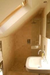 Unique attic bathroom design ideas for your private haven 21