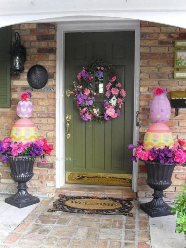 Beautiful decor ideas to hang on your door that aren't wreaths 37