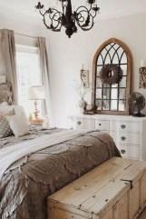 Cozy farmhouse master bedroom decorating ideas 10
