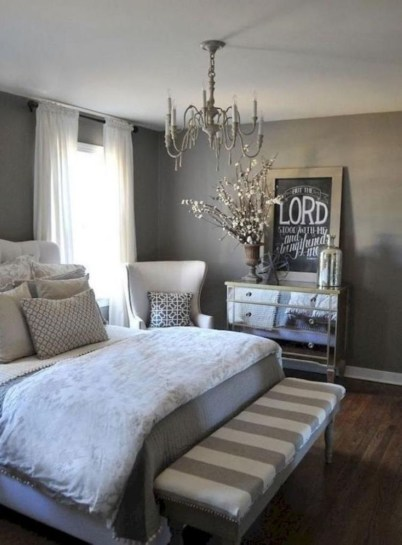 Cozy farmhouse master bedroom decorating ideas 12