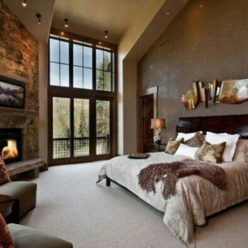 Cozy farmhouse master bedroom decorating ideas 53