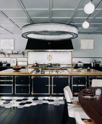Stylist and elegant black and white kitchen ideas 08