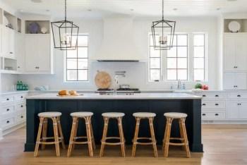 Stylist and elegant black and white kitchen ideas 30