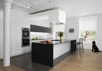 Stylist and elegant black and white kitchen ideas 36