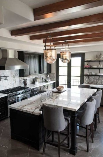 Stylist and elegant black and white kitchen ideas 42
