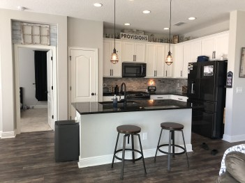 Stylist and elegant black and white kitchen ideas 43