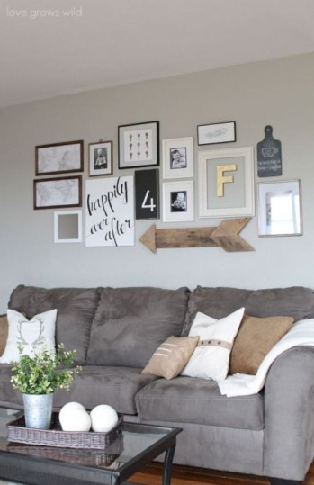 Adorable and cozy neutral living room design ideas 31